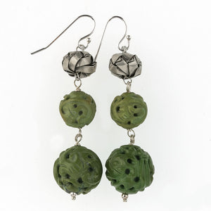 erbd140(e)- Vintage Chinese hand carved natural turquoise and Hilltribe silver woven origami bead earrings.