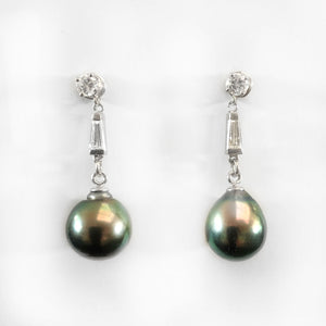 Vintage Tahitian black pearl earrings with 14k white gold and diamonds. erfn122