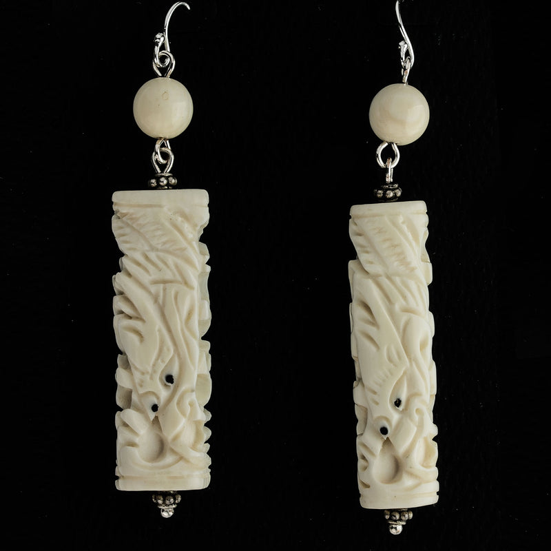 Vintage, pre-ban carved ivory earrings with dragon design eriv885