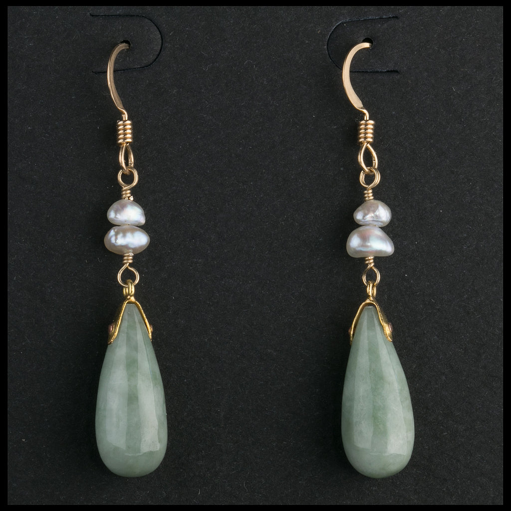 Vintage jadeite drop and Keishi pearl earrings on sterling vermeil earwires.  erja902