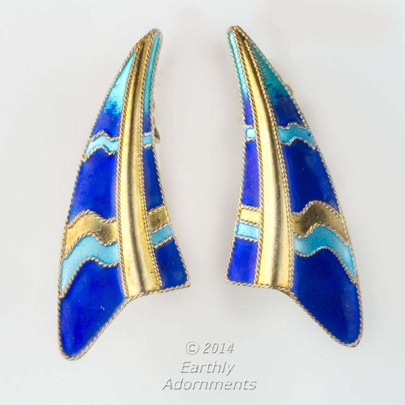 Mid century sterling silver vermeil sail shaped earrings. j-vs-er869