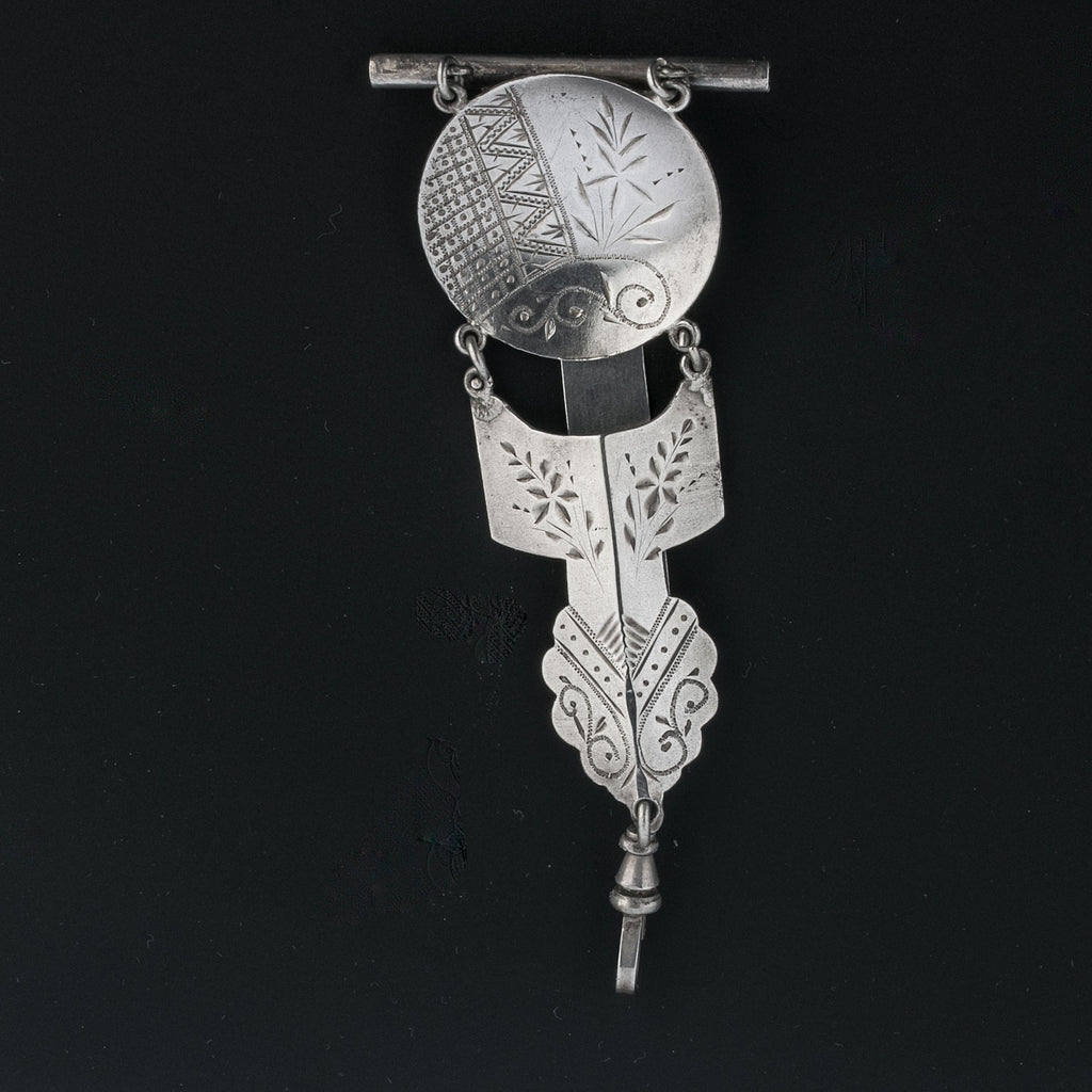 Rare 19th century  Aesthetic period etched jointed coin silver chatelaine clip fob. fbvc139