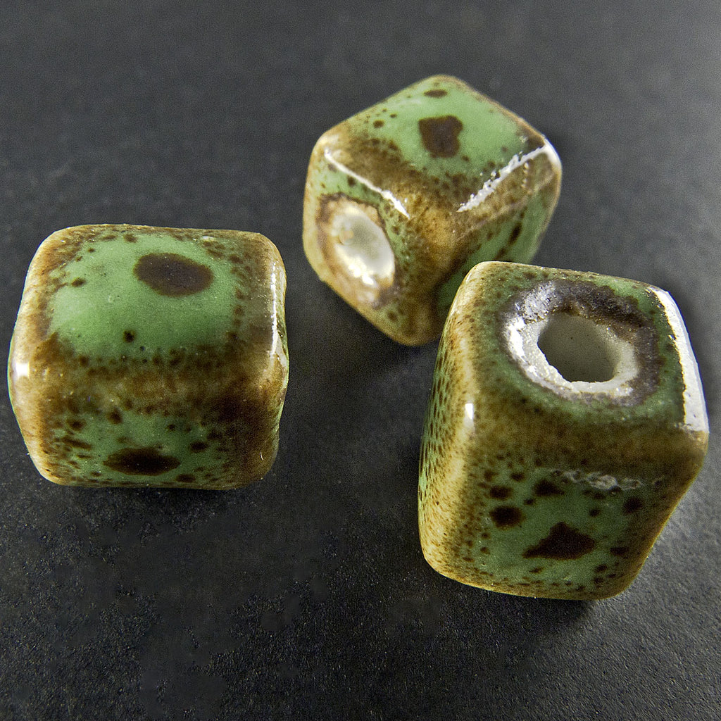 Porcelain turquoise & tan cube, 8x8mm, pkg of 4. b2-405(e)