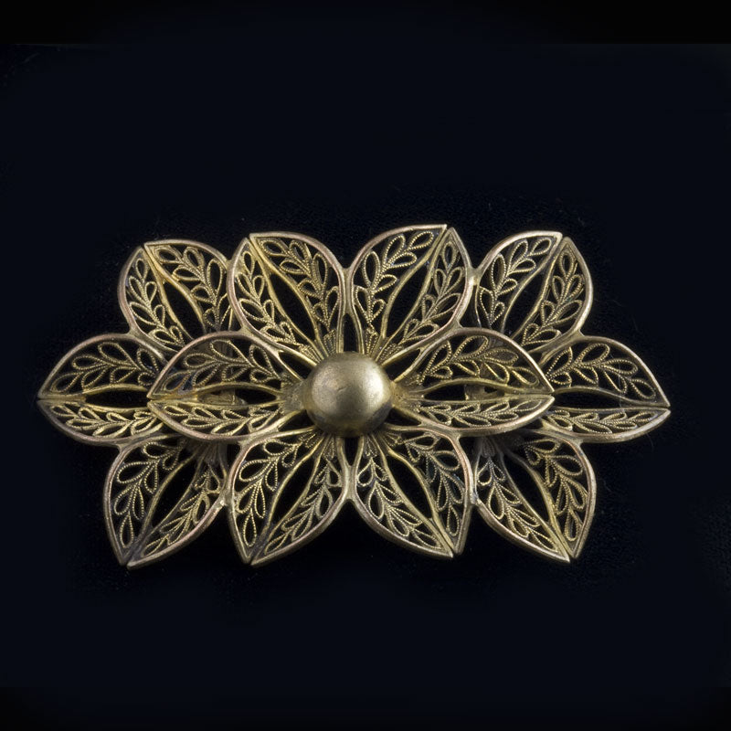 Vintage gilt brass filigree floral brooch. pnvn793pd