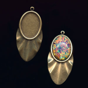 Oxidized brass pendant setting for a 25x19mm cabochon. 1 pc. b9-2091(e)