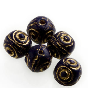 Contemporary midnight blue 7mm rounds with impressed gold decor. Czech. 25 pcs. b11-bl-1185