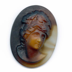 Vintage high relief molded glass flat back cameo, 2 tone agate glass, West Germany 30x22mm 1 pc. b5-817(e)