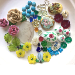 A wonderful flower stone grab bag of vintage glass, porcelain and ceramic.  b19-006