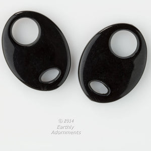 b6-216-Black faux horn resin oval pendant. 34x25mm. Package of 2.