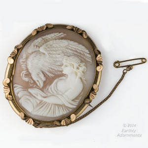pnvc1020(e)-Victorian cameo brooch of Hebe feeding the eagle of Zeus