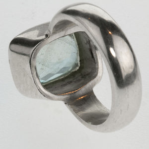 Vintage artisan sterling silver and cushion cut natural aquamarine ring. Size 6 1/2. rgvs175cs