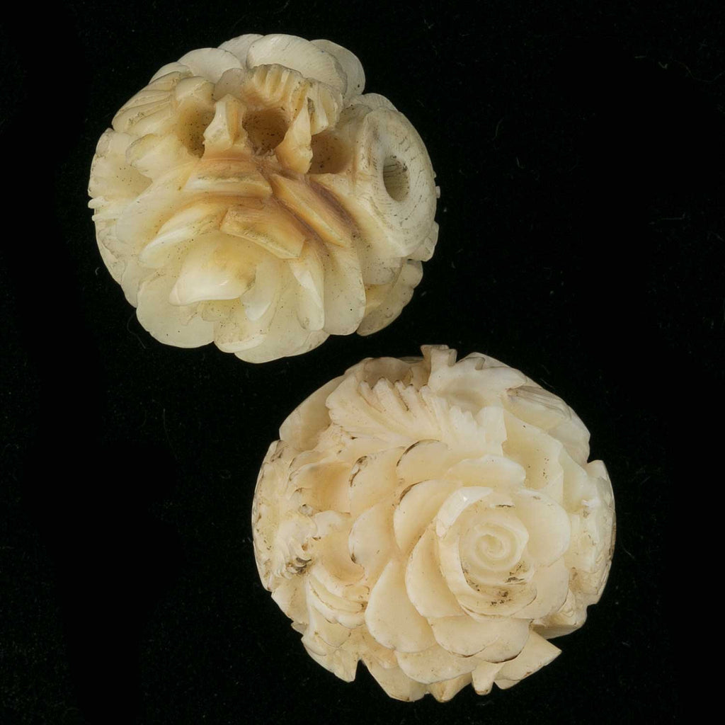 2 antique Victorian deep carved flower beads. 20mm. b3-iv21
