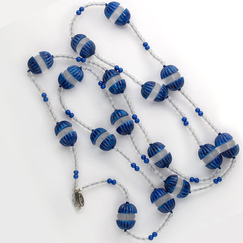 nlad876(e)-Art Deco lapis glass and frosted glass flapper length necklace Czechoslovakia