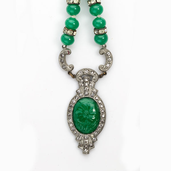 nlad881(e)- Vintage Art Deco white metal rhinestone and green glass pendant necklace.