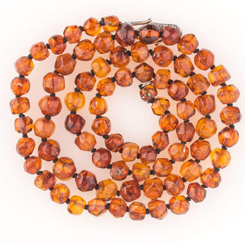 Vintage high quality hand faceted natural Baltic amber bead necklace. nlbd1233(e)