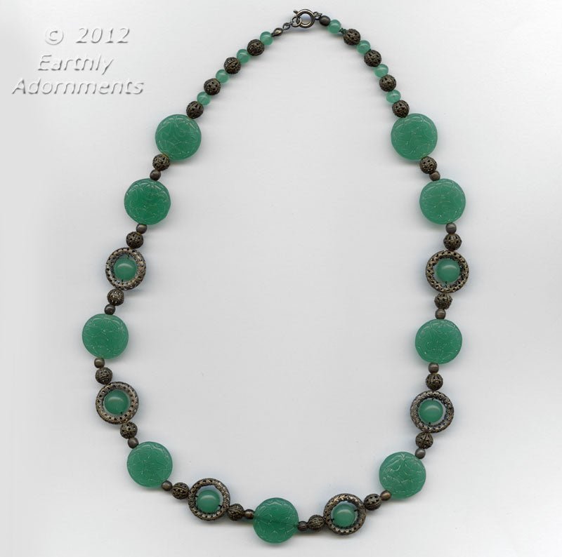 Art Deco pressed jade glass necklace. nlbg1018