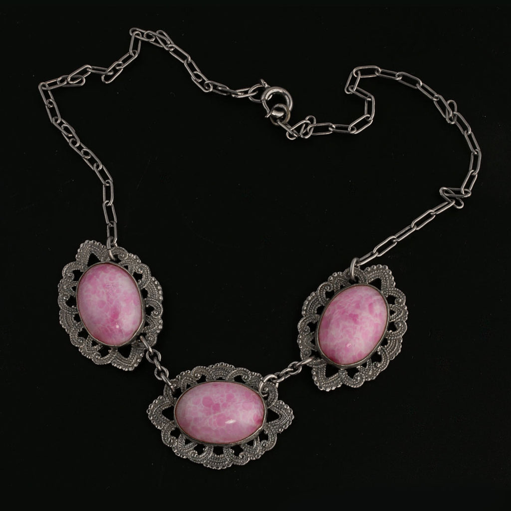 1920s-1930s Art Deco Czech mottled rose Peking glass and silver metal necklace Czechoslovakia. nlbg2136