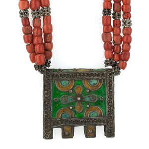Moroccan Berber necklace with enameled silver amulet box, Mediterranean coral and silver beads. nlet813cse