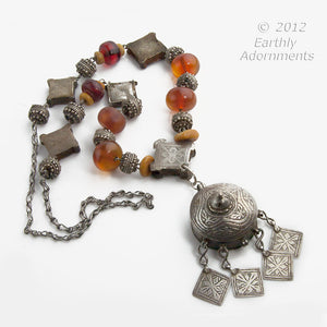 Dades Valley Morocco styled antique silver perfume amulet necklace with silver niello prayer boxes and amber beads. nlet803e.