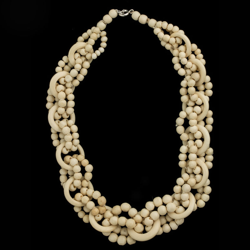 1940s necklace of carved bone beads and ring links.  nliv866