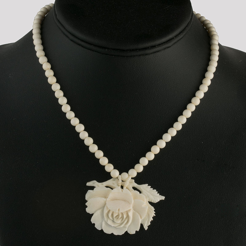 Vintage carved oxbone rose pendant necklace nliv872