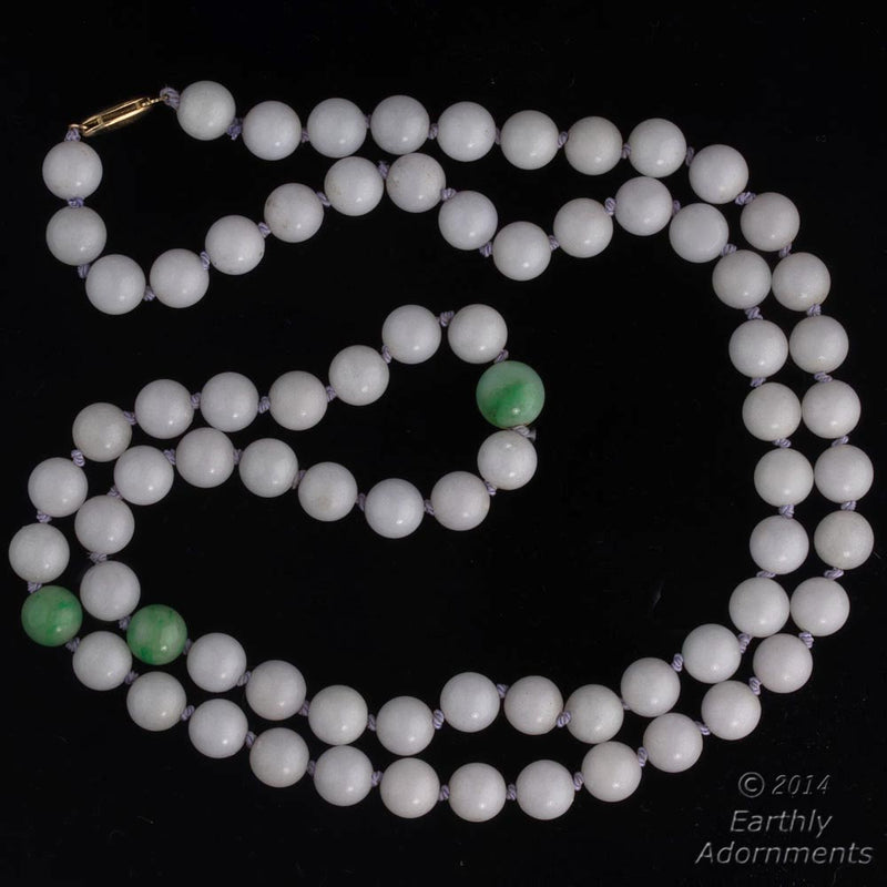 Vintage estate lavender jadeite necklace. nlja864