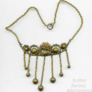 Vintage fabulous forties brass fringed bib necklace. nlvn839