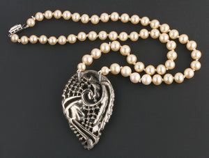 Vintage silver metal pavé marcasite pendant with glass pearls necklace. nlvn861