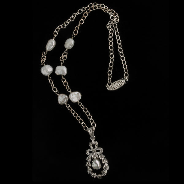 nlvs751(e)-Vintage silver, marcasite and freshwater pearl pendant necklace