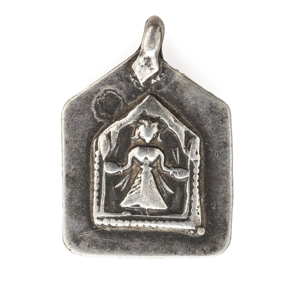 Antique silver Hindu amulet pendant depicting the diety Hanuman. pdet115cs