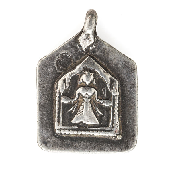 Antique silver Hindu amulet pendant depicting the diety Hanuman. pdet115cs(e)