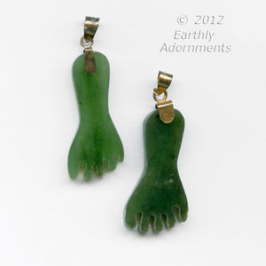 Green Alaskan Jade foot pendant 30x15mm. Sold individually, pdja735