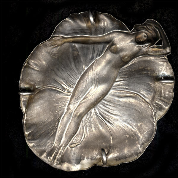 Silver plated Art Nouveau nude woman on water lily hat ornament. pdvc178e