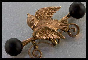 Victorian rolled rose gold overlay mourning pin with vulcanite. pnvc994