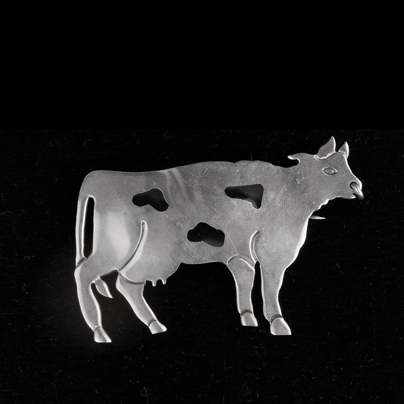 Vintage Taxco Mexico sterling silver figural dairy cow pin or pendant. pdvs904