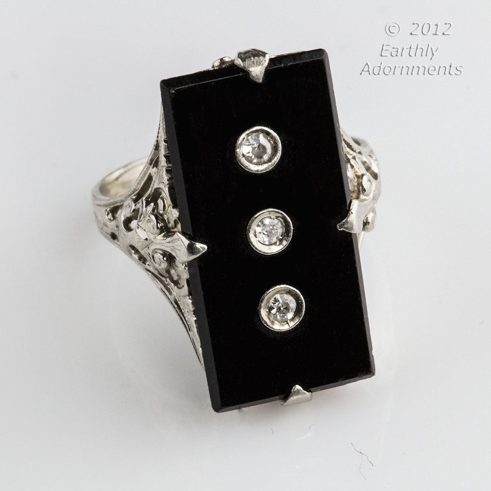 Art Deco onyx, diamond and 14k white gold filigree ring size 6 1/2. rgad141(e)