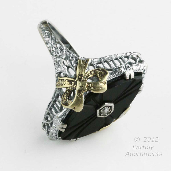 1920's Art Deco 14K White Gold Filigree Ring With Onyx, Diamond, & Applied Yellow Gold Accent. Hallmarked. rgad142(e)