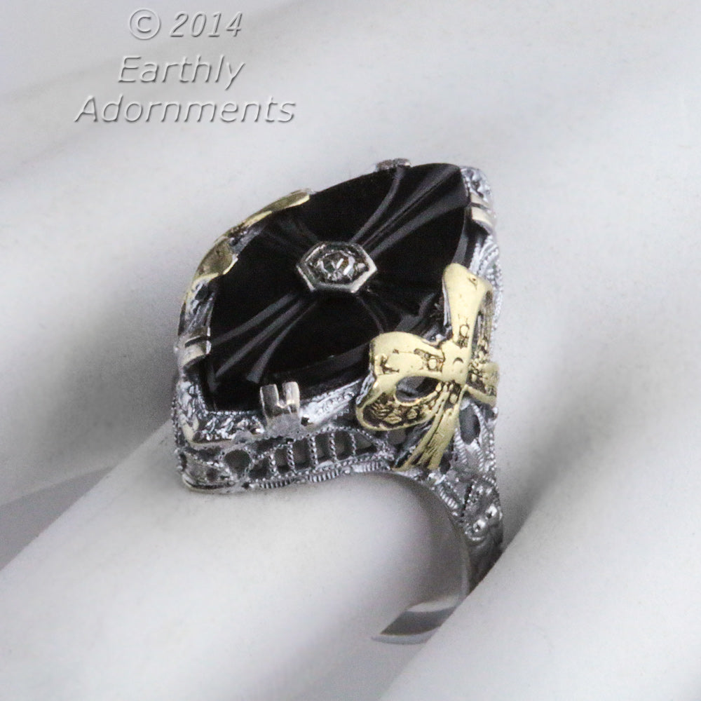 1920s Art Deco 14K White Gold Filigree Ring With Onyx, Diamond, & Applied Yellow Gold Accent. Hallmarked. rgad142