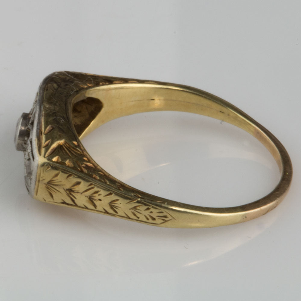 18k white and yellow gold Edwardian ring with three diamonds size 6. rgfn176(e)