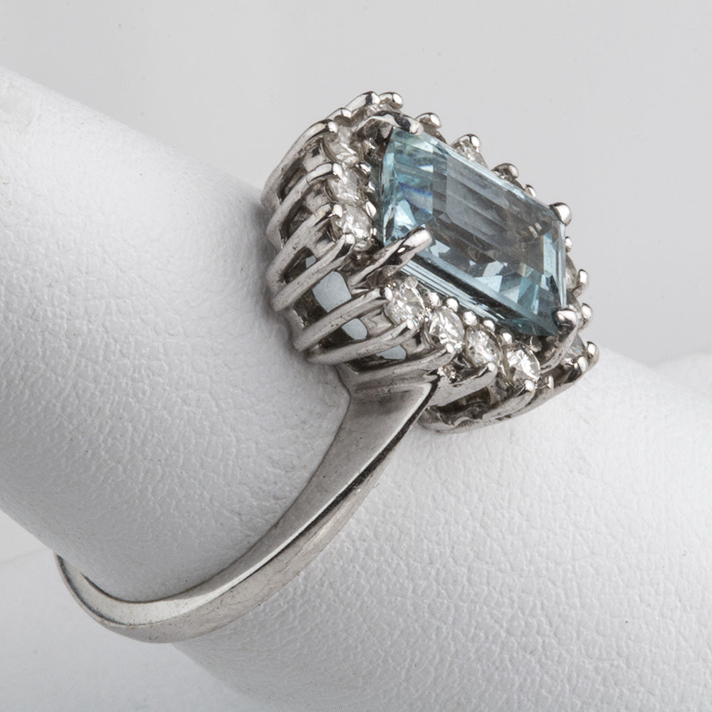 Estate Aquamarine, diamond and 14k white gold ring. rgfn180e