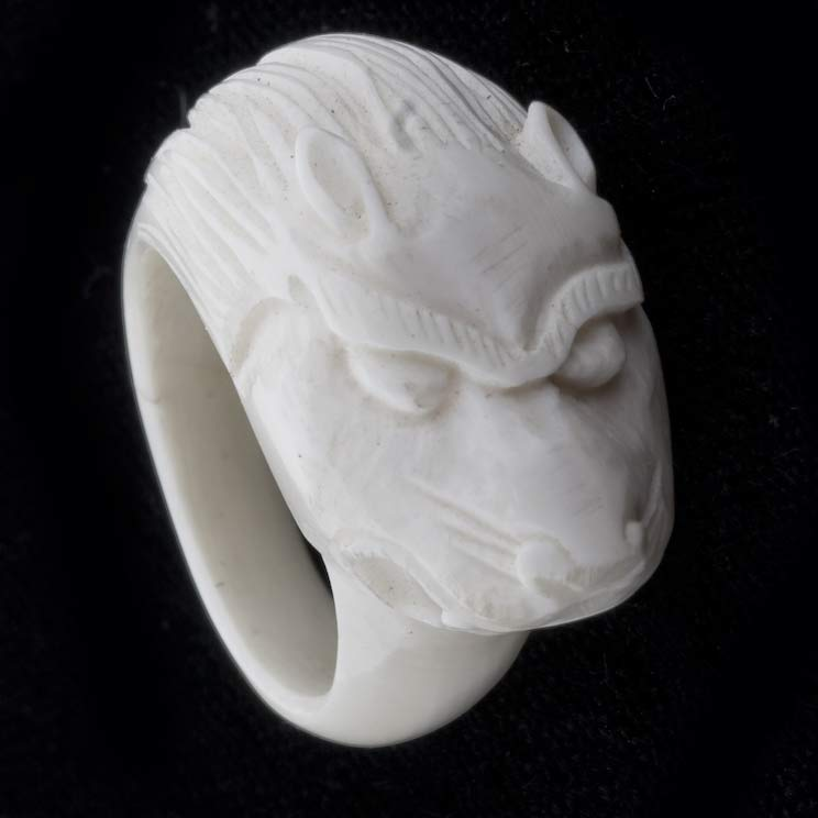 rgiv117-Carved pre-ban ivory ring
