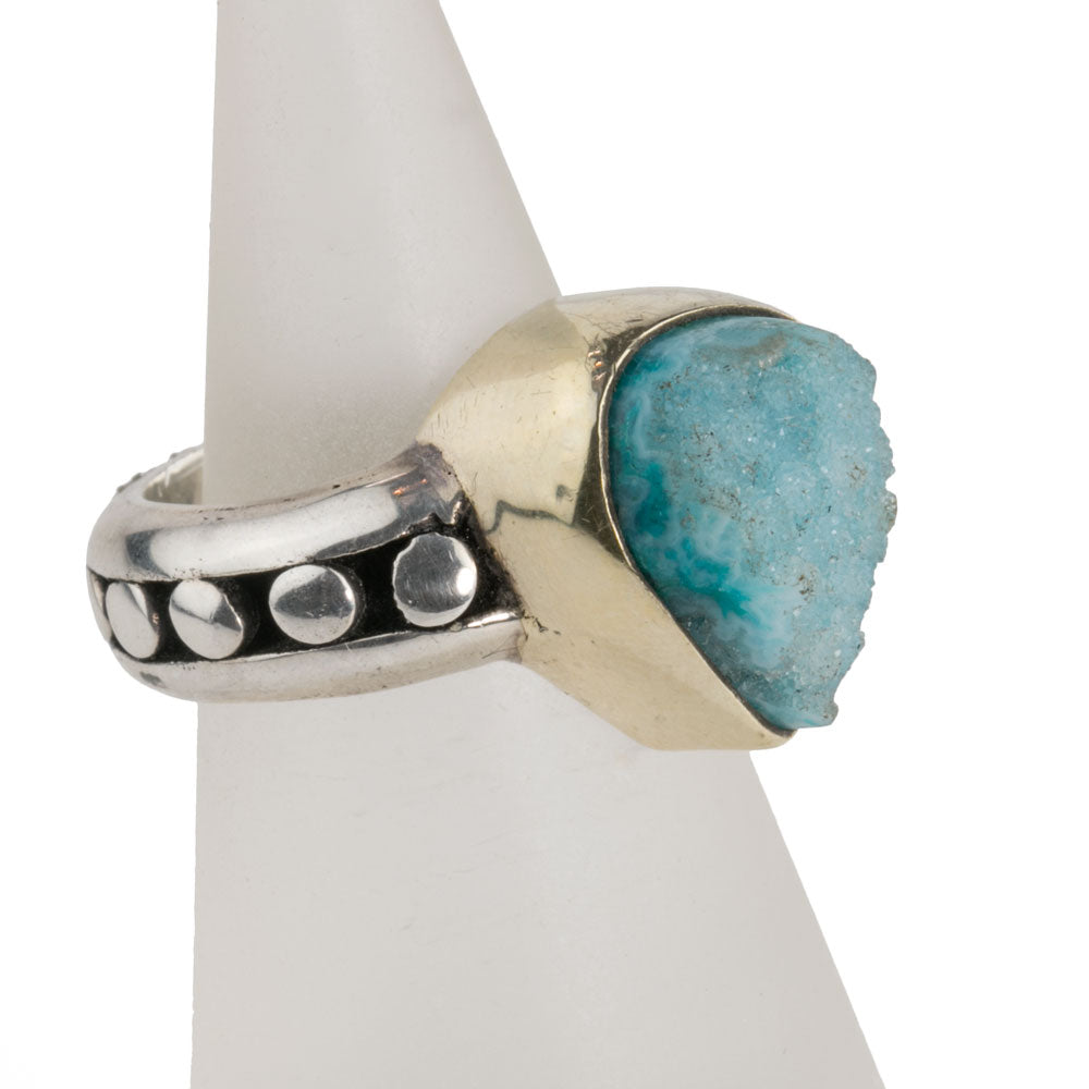 Sterling silver blue agate Druzy ring. Size 6.25. Sun Moon Co. rgvs167cse