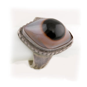 Vintage sterling silver Bulls Eye Agate lady's ring size 7, India. rgvs192cs