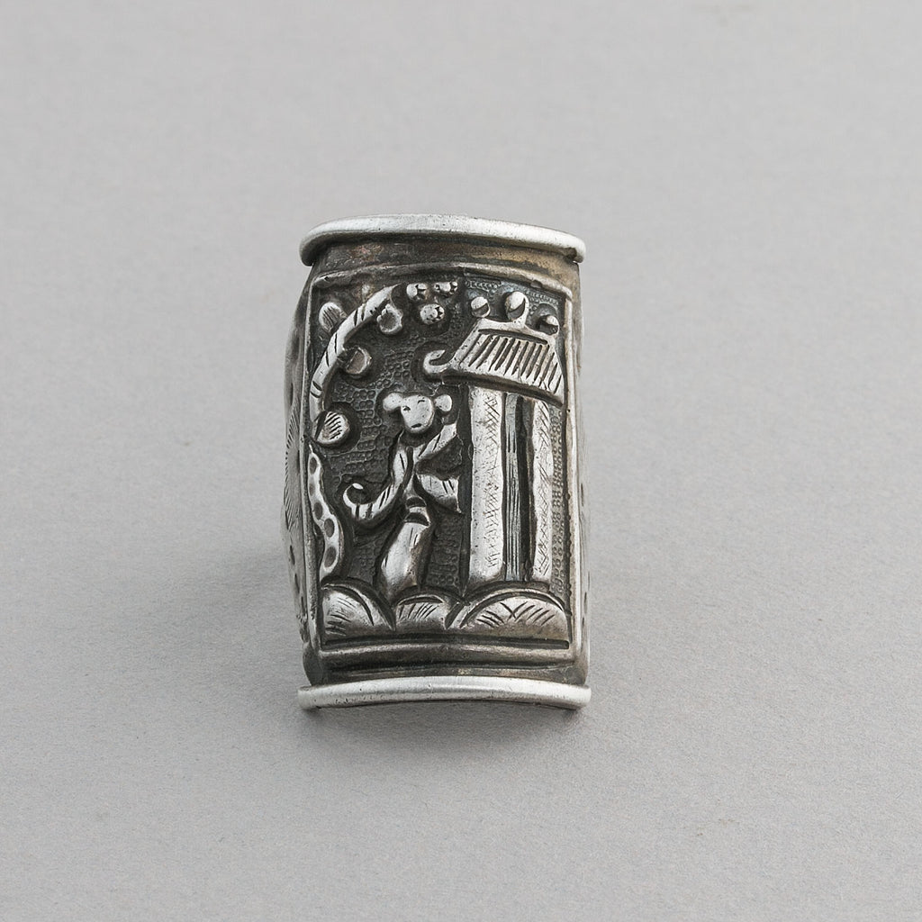 Antique Chinese silver opera souvenir ring. rgvs188