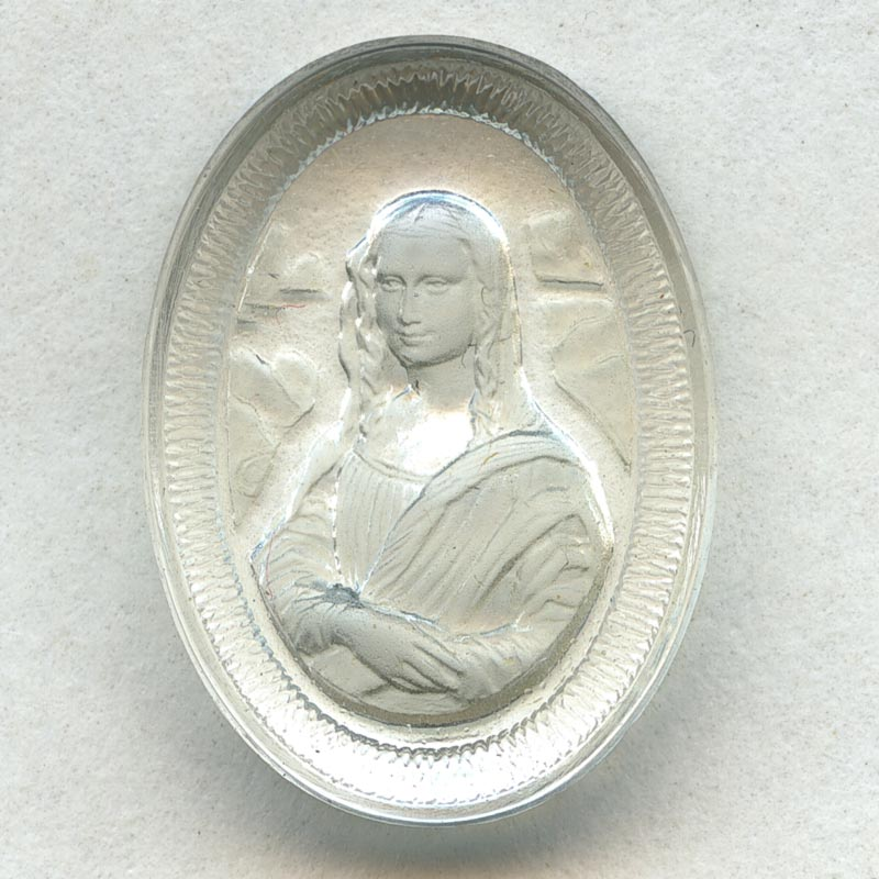 Frosted and clear molded glass intaglio of Mona Lisa. 14x18mm. Pkg of 2. B5-0247(e)
