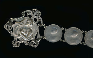 Art Nouveau silver plated link belt depicting Muse with Lyre. buvs104gh