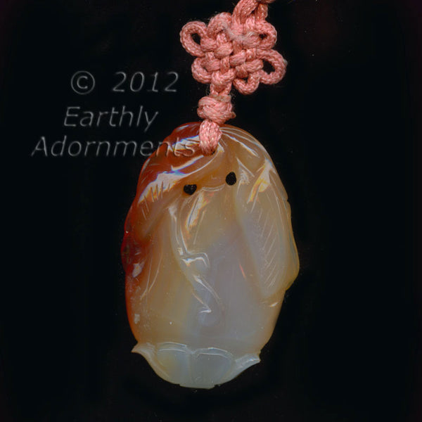 B4-car269-Vintage carved carnelian agate pendant gourd design 25x40mm