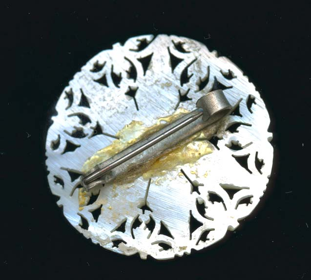 pnvn785-Vintage carved mother of pearl brooch