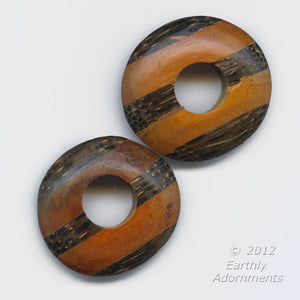 Vintage carved laminated palmwood rounded donut disks, average 35mm sold individually. b7-wo277(e)