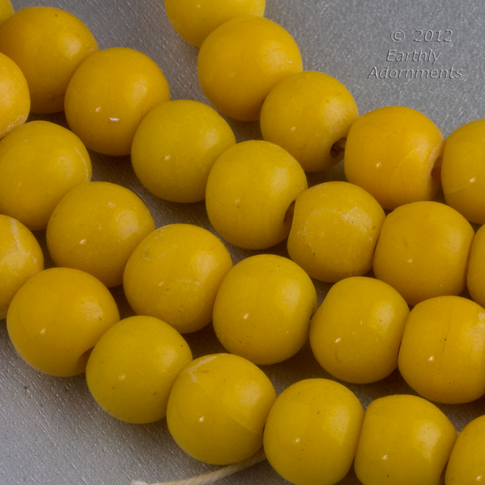 Chinese Peking glass beads in an opaque mustard, 10mm, 6 pcs. b11-yo-0991(e)